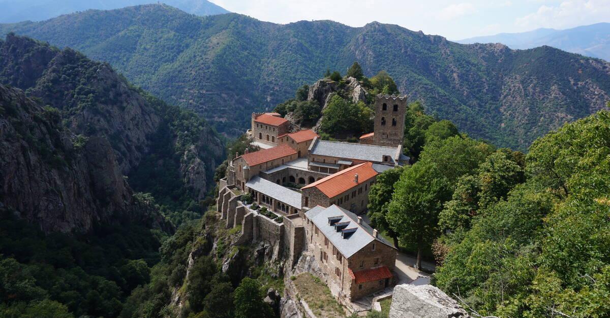 The abbey of st martin du canigou conflent canigo - Office du tourisme saint martin de re ...